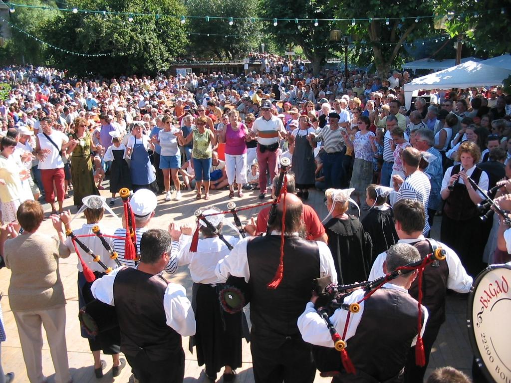 Le Fest-Noz, fête populaire au coeur de la culture bretonne